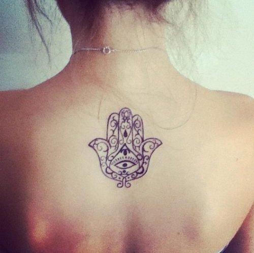 tatuaje para mujer pequeño en la espalda
