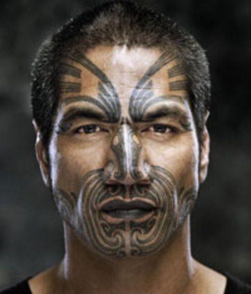 tatuaje maori rostro