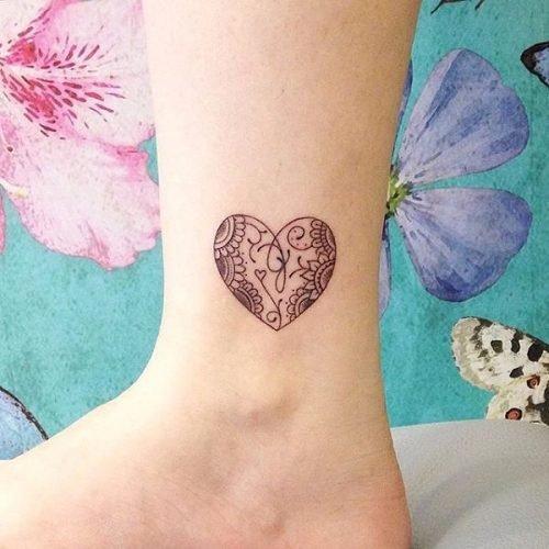 tatuaje para mujer que significa amor eterno por la familia