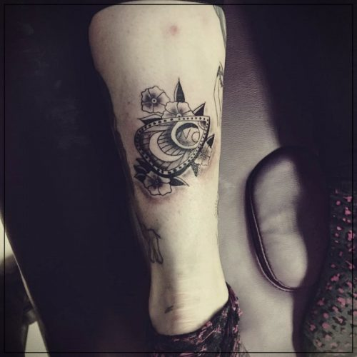 tatuajes para piernas de mujer pequeños