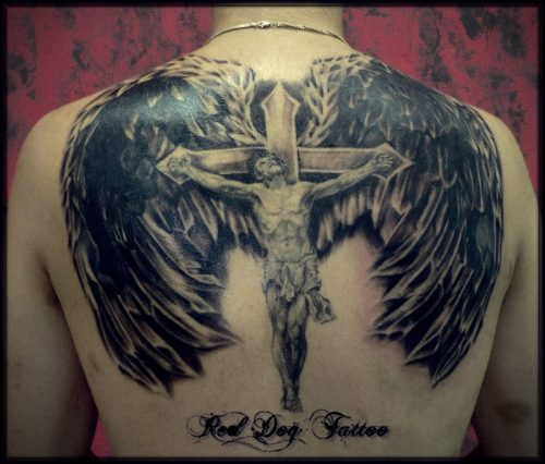 tatuajes en el hombro para hombres de perros