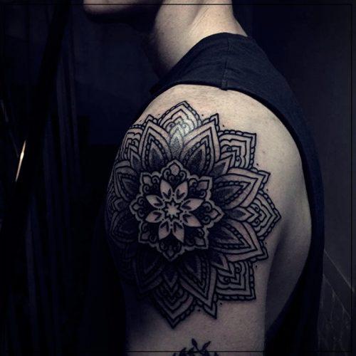 tatuajes para hombres en el hombro a color
