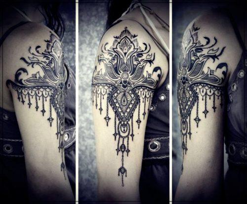 tatuajes para hombres en el hombro caballos