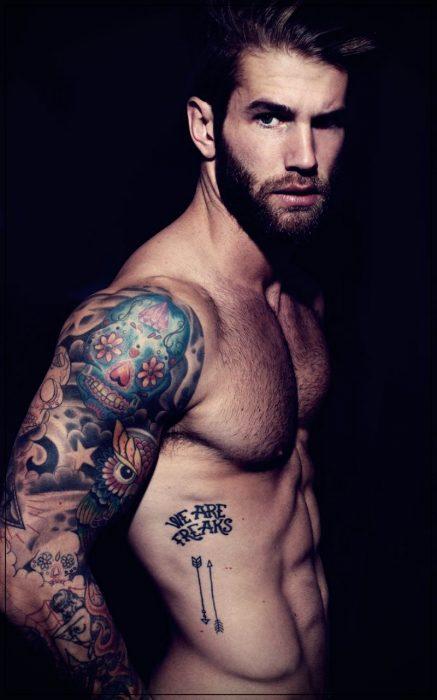 tatuajes para hombres en el hombro de aztecas