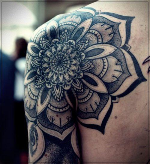 tatuajes para hombres en el hombro lobos