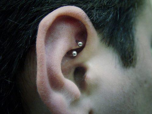 Piercing en oreja 6