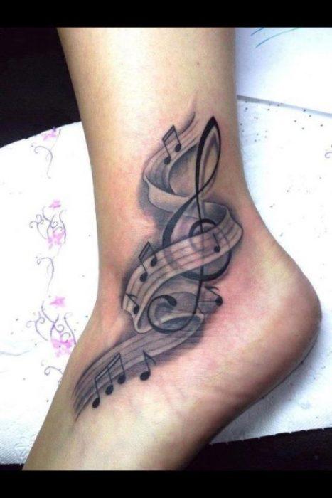 Tatuajes en el pie 8