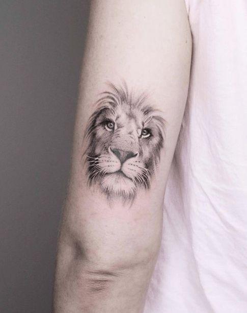 Tatuajes de LEON minimalista