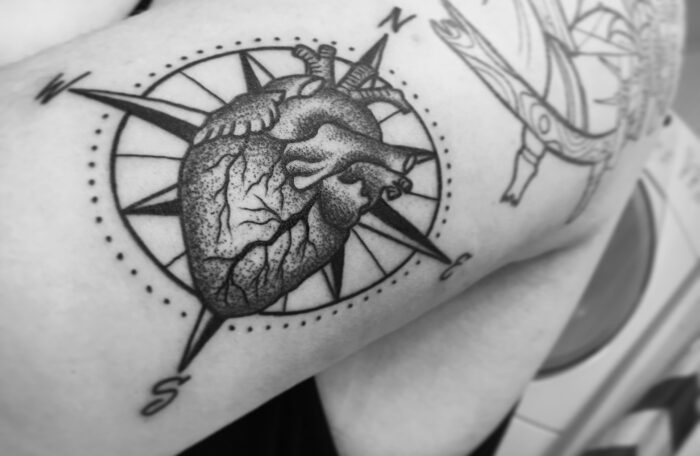 brujula con corazón
