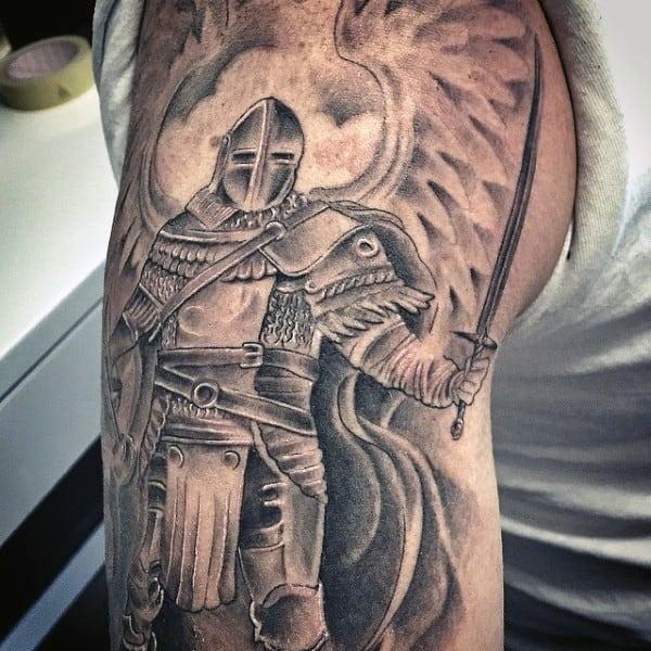 tatuaje de ESPADA y caballero